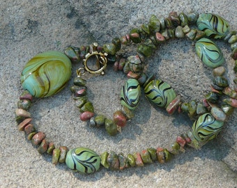Agate Chips and Big Swirls Necklace