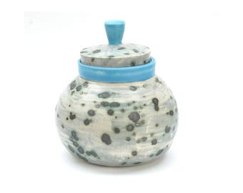 Porcelain Jar with Lid SKU P008