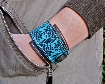 Leather Wrap Bracelet Cuff, Florance Print in Brown & Turquoise, Adjustable Size