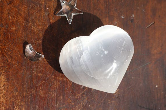 Selenite Heart, Heart Shaped Selenite, White Crystal Heart, Polished Selenite, Heart Shaped Selenite, Healing Crystal, Reiki, Crystal Grid