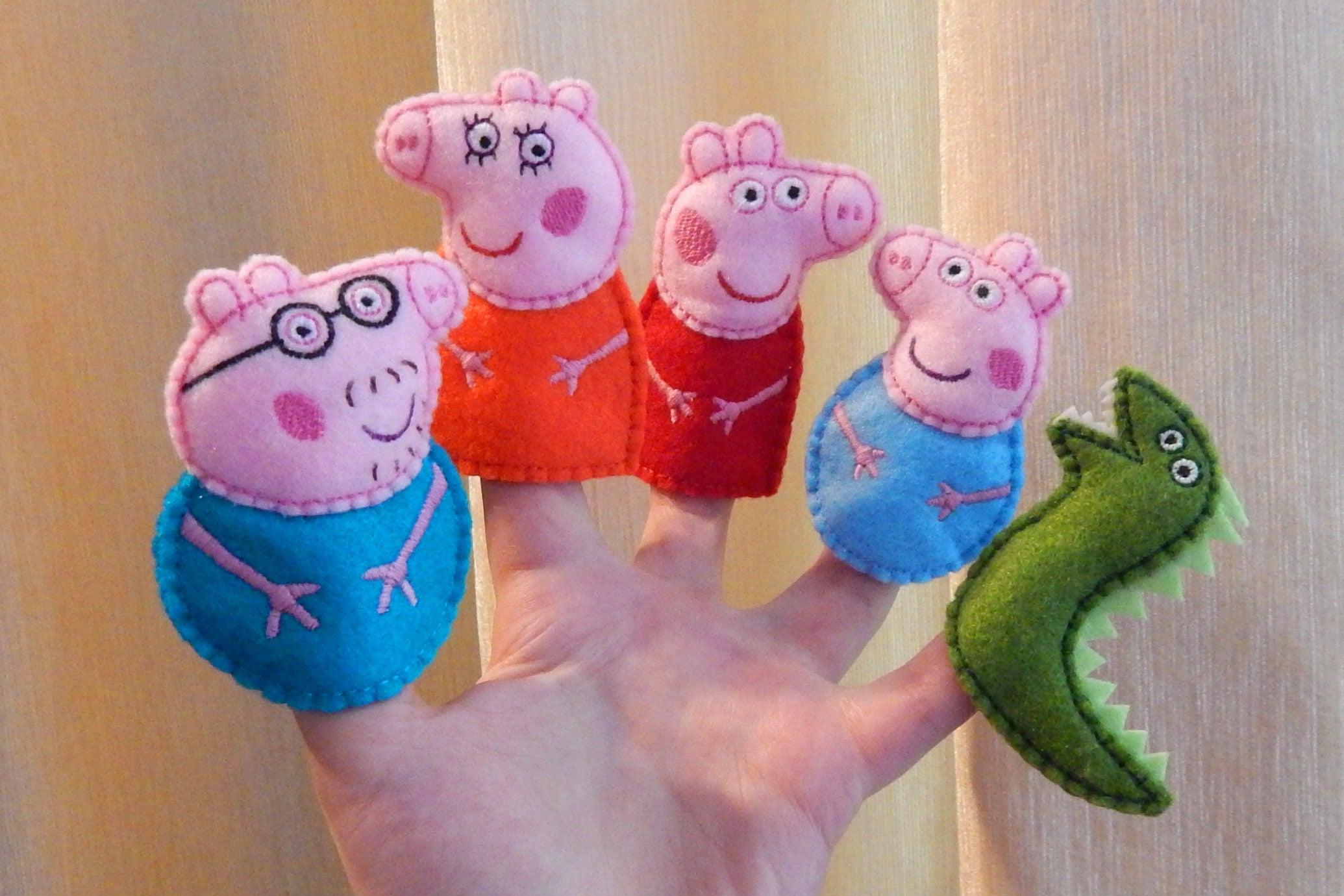 Peppa pig familia títeres. Marionetas de dedo en fieltro.