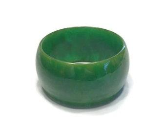 Emerald Green Bakelite Bangle, Vintage 1930s 1940s Wide Green Marbled Bangle, Bakelite Bracelet, Costume Jewelry