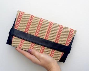 Clutch Jaspe (sand and berry)  - clutch purse  - leather purse - leather clutch purse - artisan  - leather clutch - ikat