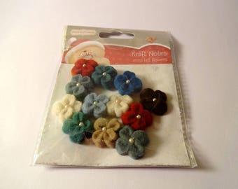 Set of 12 small flowers in felt - embellishments - scrapbooking
