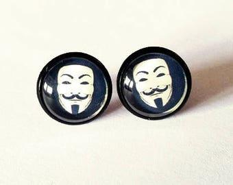 Geek Vendetta earrings / Anonymous