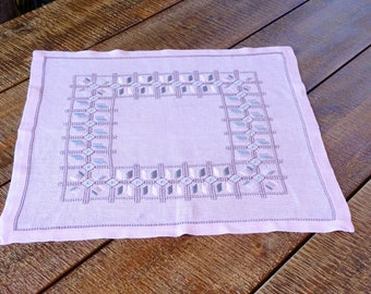 Square Table Topper, Flat Stitch Embroidery on Pink Linen, Swedish Tablecloth, Pastels, 1970s Home Decor, Handicraft, Scandinavian Textile