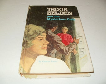 Vintage 1960s Trixie Belden and the Mysterious Code by Kathryn Kenny - Whitman Collectible, Book ,Art , Mystery Story