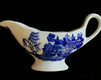 Shenango 4 oz. Blue Willow Restaurant Hotel Diner China Sauce or Gravy Boat in Excellent Lightly-Used Condition