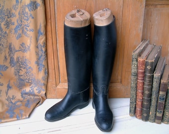 Vintage french equestrian riding boots. Wood boot lasts. Black leather horse riding boots. Wood boot forms. Vintage Equestrian boots. size38