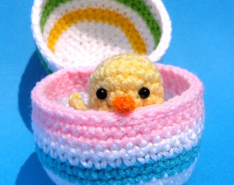 PDF CROCHET PATTERN Easter Chick in Egg (English only)