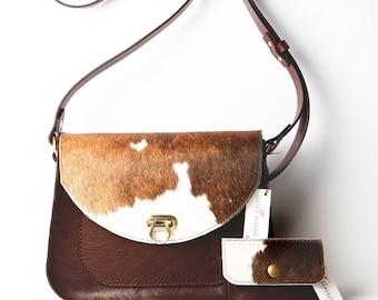 Medium Cowhide flap saddlebag in chestnut