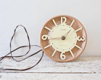Vintage Brass United Wall Clock - Vintage Wall Clock Mid Century Schoolhouse Clock United Plug In Works Working