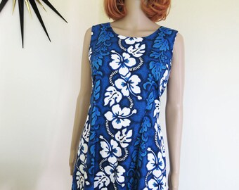 Vintage 90s Hawaiian 100% cotton shift dress -  Made in Hawaii - blue and white hibiscus classic