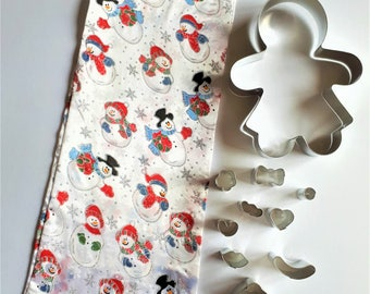 NEW Christmas Gingerbread Man Girl Cookie Cutter & Accessories in Cloth Gift Bag