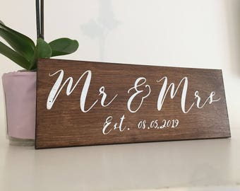 Mr and Mrs Sign, Mr and Mrs Rustic Sign