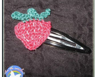 Hair clip with Strawberry doilies