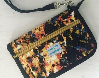 Zipper Wallet with Detachable Wristlet