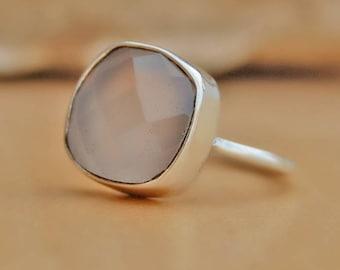 Chalcedony Ring, Pink Chalcedony Gemstone sterling silver ring, chalcedony Solid silver ring Jewelry