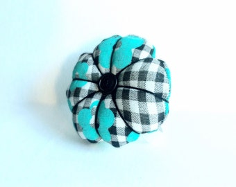 Handmade Flower Design Wrist Pin Cushion ( Approximately 8-9cm  )