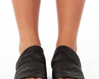 Black Crinkle Leather Slides