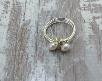 Freshwater pearl ring white