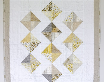Tombolo Quilt | Baby Quilt | Gender Neutral | Yellow and Gray