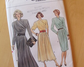 Uncut Vogue Sewing Pattern 9733 - Size 10