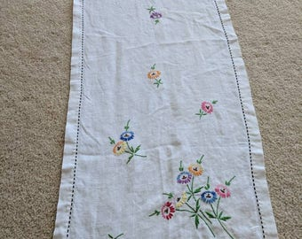 Vintage Linen Table Runner with Embroidery Flowers