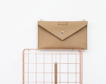 Double Sided Clutch Caramel