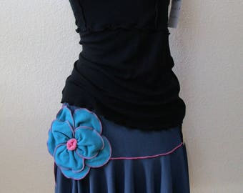 blue mini skirt with rose decoration plus made in U.S.A (v26)