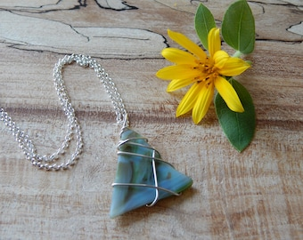 Stained Glass Necklace for Women, Modern Glass Jewelry, Simple Wire Wrap Designs, Womens Pendant Necklace, Gift for Mom Sister