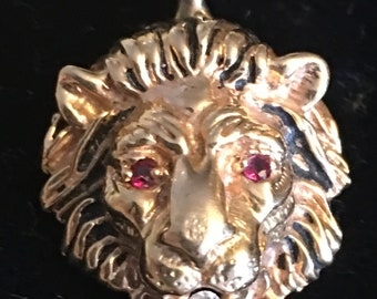 14K yellow gold lion head with diamond and ruby eyes     VJSE