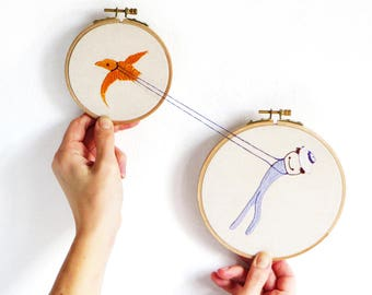 Hoop art 'Passarinho', cute embroidered textile art, whimsical illustration hoop art, Kite surfing bird embroidery, wall hanging hoop arts
