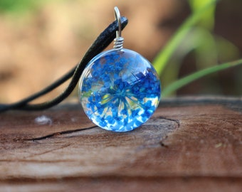Flower Resin Necklace - Dried Flowers Necklace - Blue Flower Necklace - Resin Necklace - Resin Flower Necklace - Pressed Flower Necklace