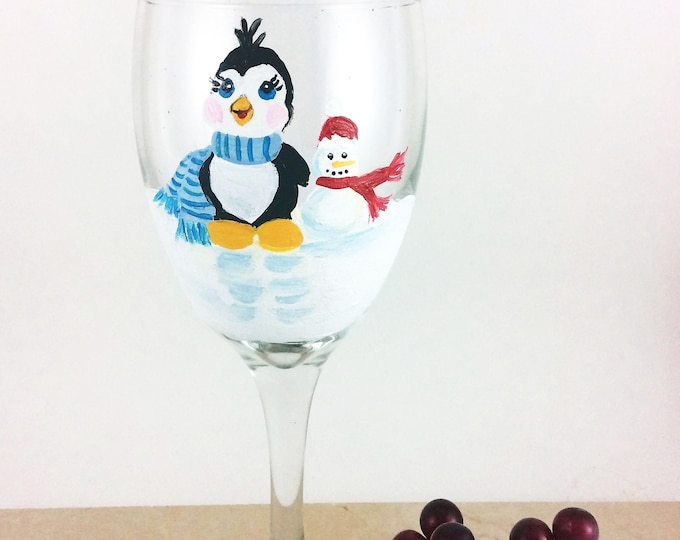 Holiday wine glass, Christmas Glassware, Holiday glassware, custom glasses, Christmas glass, Penguin wine glass, Wine lover gifts, wine gift