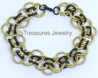 Bumpa - Black and Gold Chainmaille Bracelet