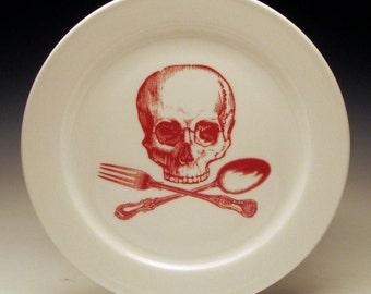 tête de mort et Croix-ustensiles assiette 9 pouces en rouge