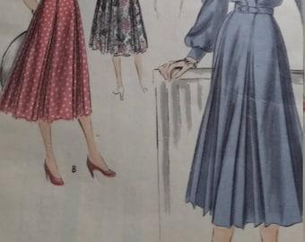 UNCUT and FF Pattern Pieces Vintage Vogue 4080 Special Design Size 16 Bust 34 Hip 37 One-Piece Dress