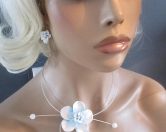 "Necklace + earrings ""Icy"" flower and frosted white and blue beads"