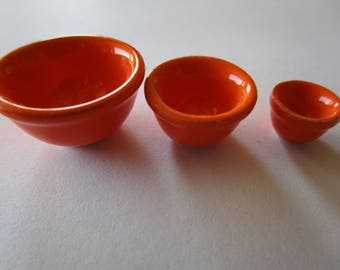 Fiesta wear orange nesting bowls.