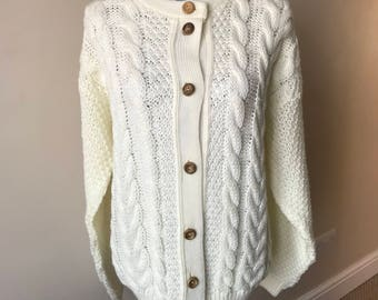 Chunky cream knit vintage winter cardigan