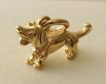 Genuine SOLID 9K 9ct YELLOW GOLD 3D Dachshund Dog Animal charm/pendant
