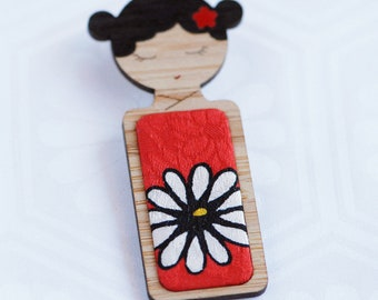 Daisy on Red // Kokeshi Brooch // Vintage Kimono Fabric Inlay