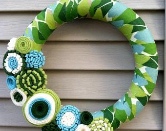 St. Patricks Day Wreath - Spring Wreath - Felt Flowers - Fall Wreath - Spring Wreath - Fabric Wreath - Felt Flower Wreath - Green Wreath