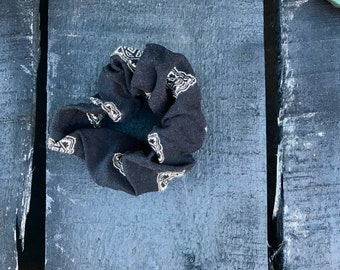 Diamond Printed Scrunchie