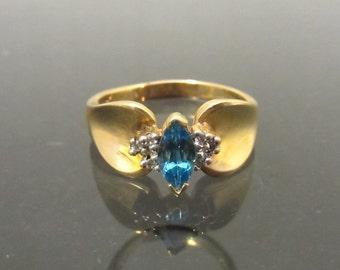 Vintage 14K Solid Yellow Gold Genuine Blue Topaz & Diamond Ring Size 10