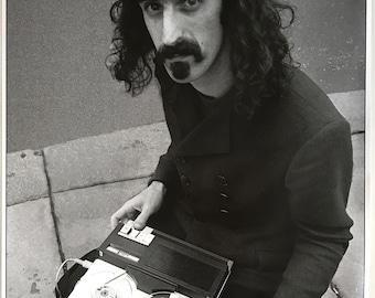 Wall Art, Music Poster, Frank Zappa, Buckingham Palace 1967 24 x 33 UK import Poster