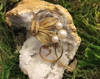 Floral Pearl Pin