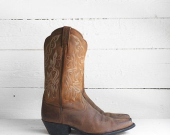 8.5 B | Brown Ariat Western Boots