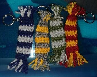 Hogwarts scarf keychain
